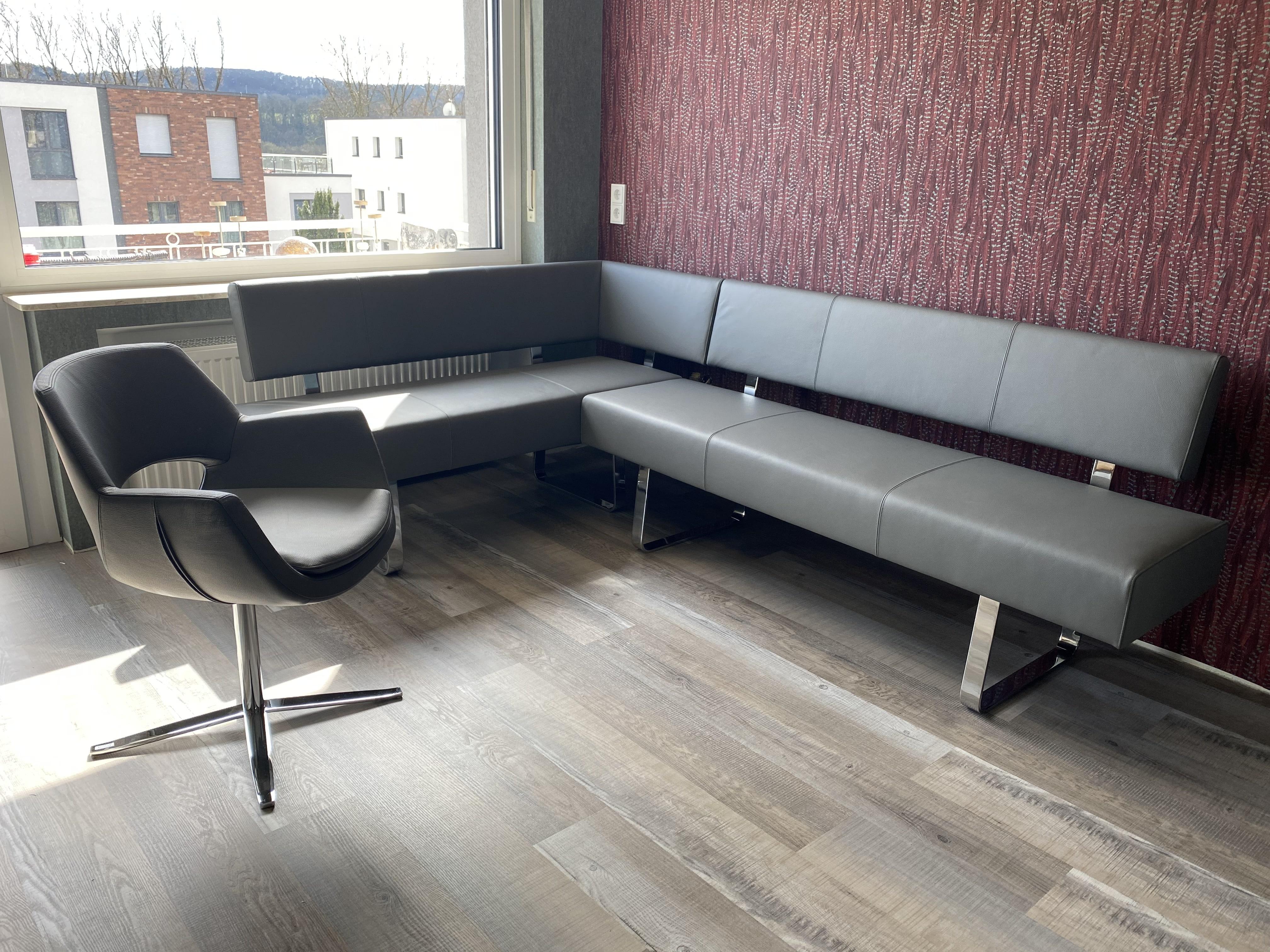 Eckgruppe Bank Nava/Stuhl Testa