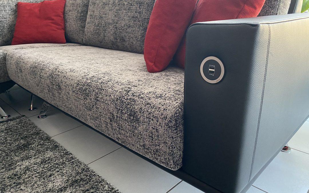 Sofa Flyer Eckkombination mit USB Anschluss